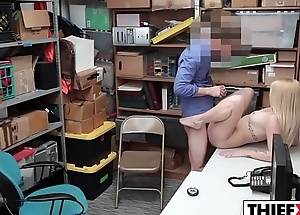 Dick Surprise For Sultry Blonde Cutie Jacker
