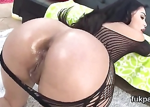 Glamorous honey shows monster butt and gets anal hole rode