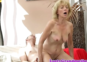 Saggytits nipper bounces on hard cock