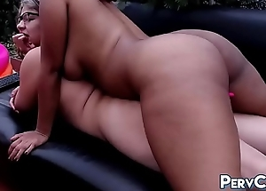 Thick Juicy Big Tushy CamWhores Playing Outside