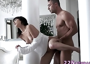 Babe makes love and cums