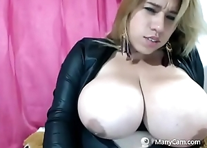 Tough milf fucks herself on cam