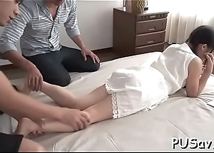 Shy asian wench positions for the cam